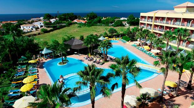 Páscoa em Albufeira -  2, 3 ou 4 Noites com Jantar no Hotel Baía Grande 4*!