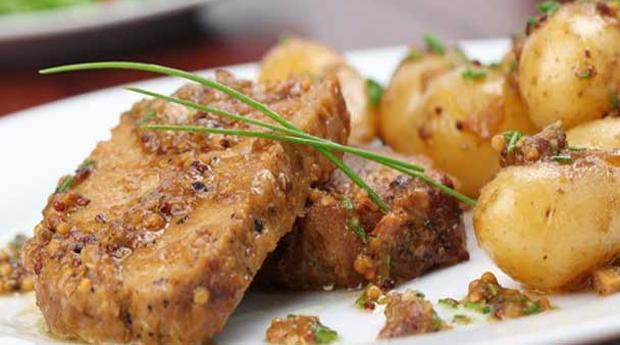 Tripadvisor Recomenda: Restaurante Regional! Sabores Portugueses num Jantar Completo a Dois na Baixa de Lisboa