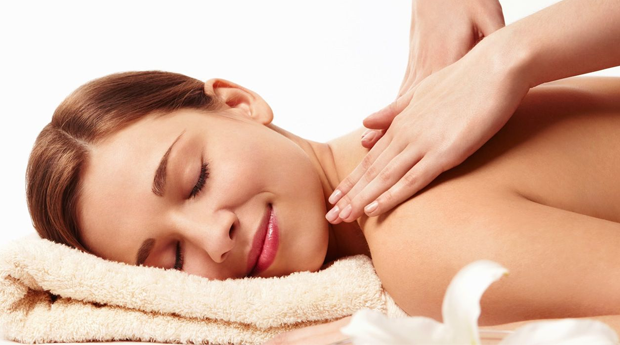 50 Minutos de Puro Relaxamento! Massagem de Relaxamento com Amêndoas, Chocolate, Baunilha ou Côco no Seixal!