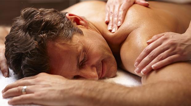 Momento Especial Dia do Pai! Massagem de Relaxamento Localizada com Spa Facial em Vila Nova de Gaia!
