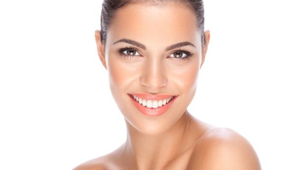 Tratamento de Rosto com Microdermoabrasão, Fotorejuvenescimento ou Peeling Ultrasónico e Limpeza Completa!