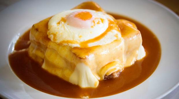Os Sabores do Norte em Lisboa! Jantar a 2 com Francesinha no Restaurante Pitéus!