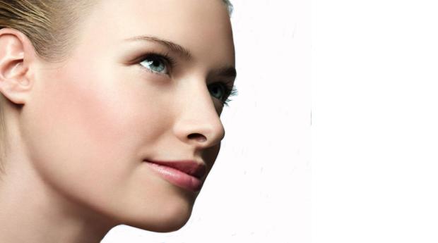 Limpeza Facial com Fotorejuvenescimento ou Peeling Ultrassónico em Braga!