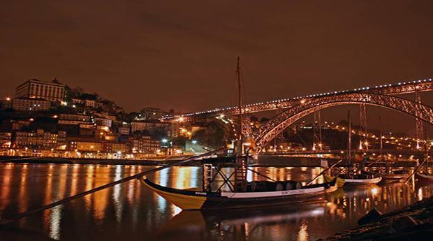 Cruzeiro das 6 Pontes com Jantar e Espectáculo de Fado no Douro!