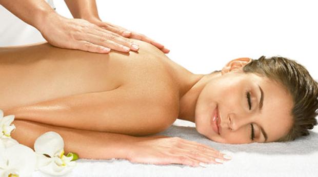 Massagem Corporal Relaxante com Limpeza de Pele e Ritual de Chá em Carnaxide!