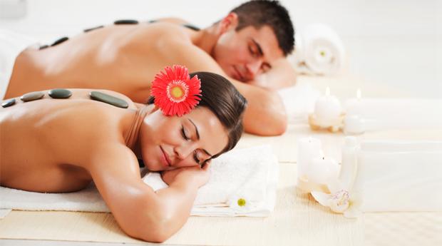 Puro Relaxamento a Dois no Seixal! Massagem de Pedras Quentes ou Óleos Aromáticos!