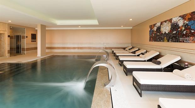 Circuito Spa Vila Gale Palácio dos Arcos 5*, Massagem Relaxante, Tratamentos de Rosto Nutritivo e Circuito de Hidroterapia!