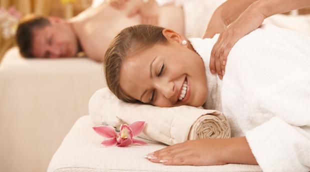 Ritual Premium a Dois!Massagem de Relaxamento à Escolha com Mini Facial Estoril!