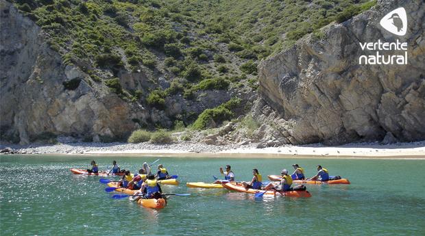 Descobre a Costa de Sesimbra! Passeio de Canoa ao Longo da Reserva Marinha de Sesimbra!