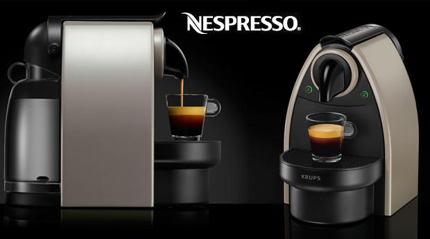 Máquina de Café Nespresso Essenza Auto-Krups com 16 Cápsulas, agora por 89,90€