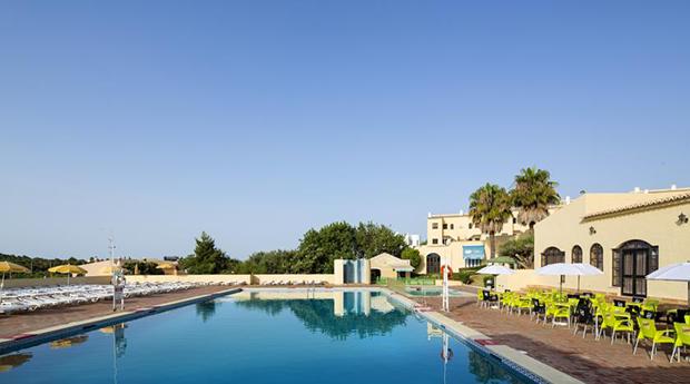 Algarve, Julho com Tudo Incluído -  2, 3, 5 ou 7 Noites no Luna Clube Brisamar 3*!