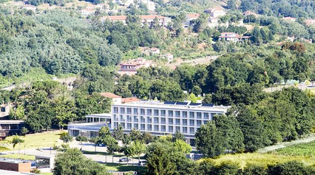 Gerês em Hotel 4* com Spa -  1 ou 2 Noites com Meia Pensão e Massagens no Arcos Hotel Nature&Spa 4*!