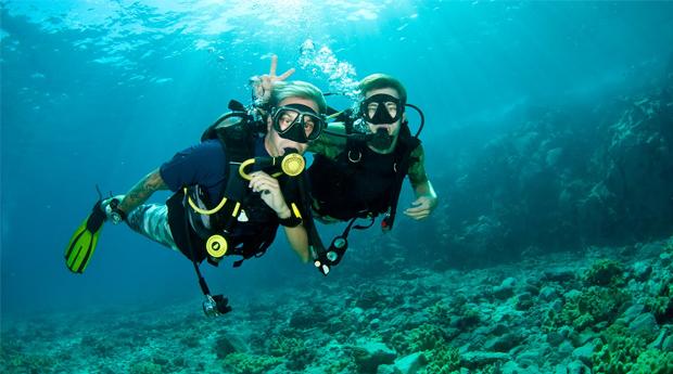 Batismo de Mergulho no Mar com Video Reportagem no Portinho da Arrábida!