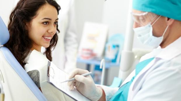 1 ou 2 Implantes Dentários de Titânio com Consulta de Avaliação e Destartarização em Lisboa!