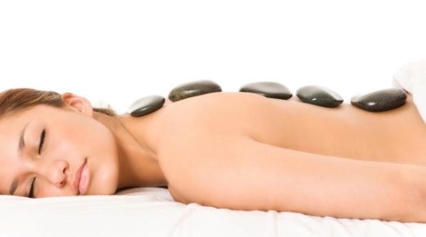 Relaxamento Mix ao Corpo Inteiro com Massagem Pedras Quentes, Bamboo e Óleos Quentes em Vila Nova de Gaia!
