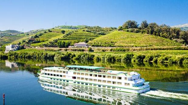 Descobre a Beleza do Douro -  Cruzeiro do Porto à Régua com Estadia de 2 Noites em Hotel 3* ou 4*!