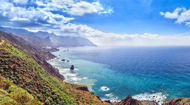 Tenerife  -  7 Noites em Hotel 4* com Tudo Incluído ou Meia Pensão e Voos Incluídos!