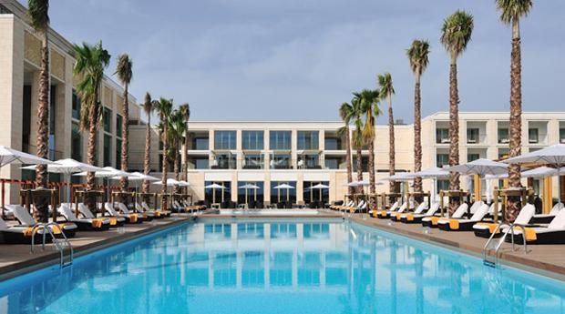 Vilamoura no Hotel Tivoli Victoria 5* -  2, 3, 5 ou 7 Noites em Regime de Meia Pensão para 2 Adultos e 1 Criança!