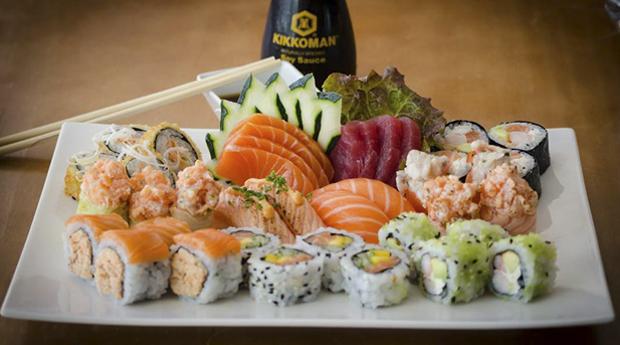 Sushi em Oeiras! Combinado de 36 Peças de Sushi para 2 Pessoas no Restaurante Tons de Sushi!