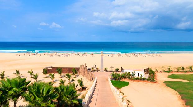 Última Chamada para Cabo Verde -  7 Noites em Hotel 4* e 5* com Tudo Incluídos e Voos Directos!