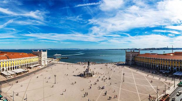 Descobrir Lisboa Romântica ou Antiga! Tour de 1 Hora até 7 Pessoas!