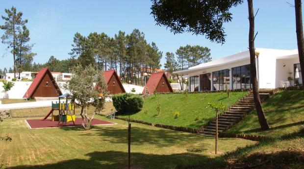 Parque de Campismo do Luso -  3, 5 ou 7 Noites em Bungalow Equipado para 2 Pessoas!