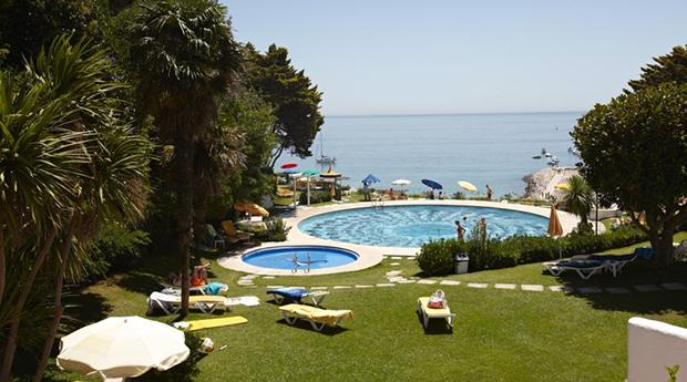 Verão em Sesimbra no Hotel Mar 4* -  2 ou 3 Noites com Meia Pensão ou Pensão Completa!