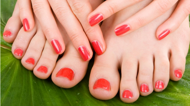 Manicure e pedicure Completas no Centro do Porto!