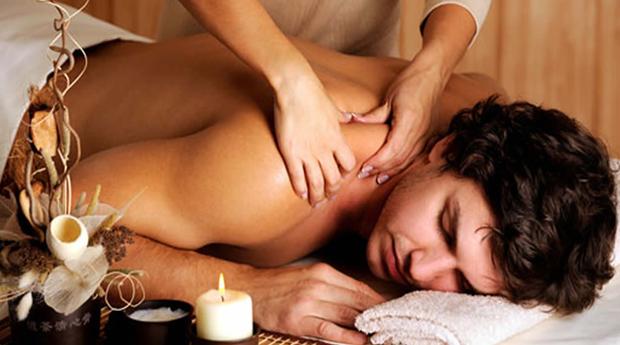 Relaxamento a Triplicar Para Homens no Centro do Porto! Massagem às Costas, Massagem de Relaxamento e Reflexologia!
