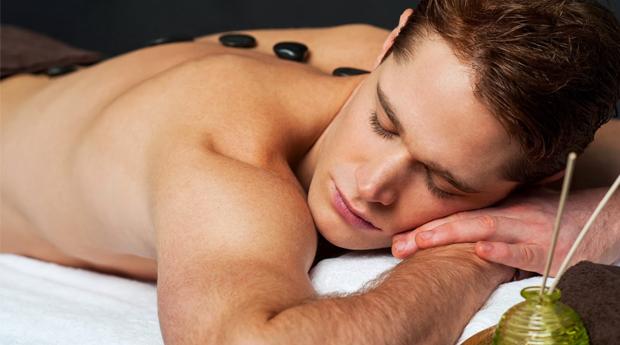 Momento para Ele -  Massagem de Pedras Quentes, Hidratação Facial e Reflexologia Podal em Braga!