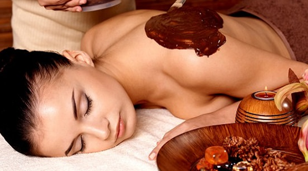 Momento de Princesa! Massagem e Envolvimento de Chocolate com Spa Facial no Estoril!