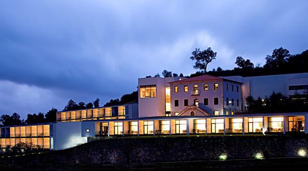 Vindimas DOuro -  2 Noites com Spa e Almoço Regional no Douro Palace Hotel Resort&Spa 4*!