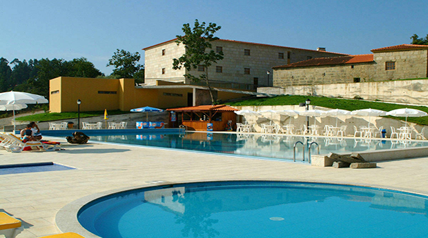 Gerês, Póvoa de Lanhoso -  2, 3, 4, 5 ou 6 Noites com Meia Pensão no Hotel Rural Maria da Fonte!