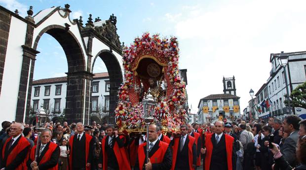 São Miguel - Festas do Senhor Santo Cristo dos Milagres -  3 Noites em circuito Tudo Incluído nos Açores