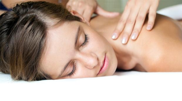 Limpeza de Pele Profunda com Massagem de Relaxamento ao Corpo Inteiro no Restelo!
