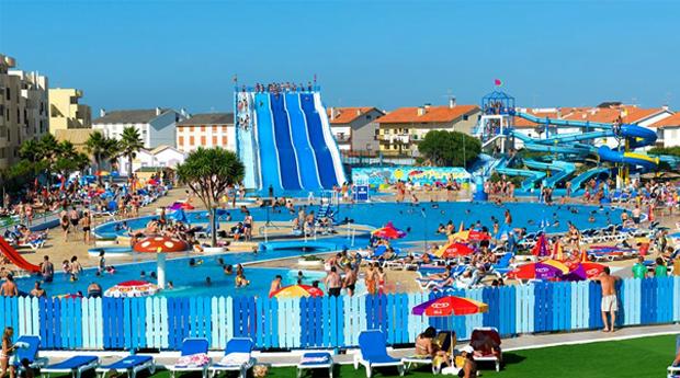 Verão com TUDO INCLUÍDO e Acesso ao Parque Aquático -  4 a 7 Noites para 2 Adultos e 2 Crianças com Acesso ao MariParque no Hotel Cristal Vieira Praia & Spa 3* !