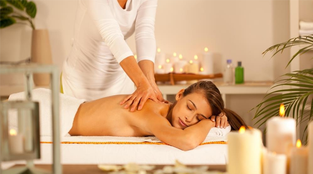 Massagem Terapêutica à Escolha Entre Relaxamento, Cromoterapia ou Alinhamento de Chakras na Charneca da Caparica!