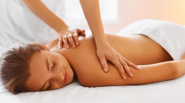 Bye Bye Stress! Massagem de Relaxamento com Tratamento Facial Reparador no Areeiro!