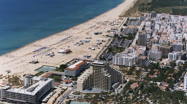 Monte Gordo - Hotel Navegadores 3* -  Aproveite o resto do Verão no Algarve