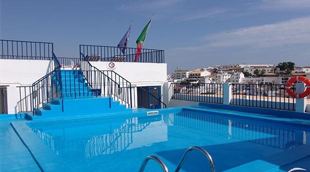 Albufeira -  Apartamentos Turisticos Regina -  5 ou 7 Noites em Estudio no Algarve.