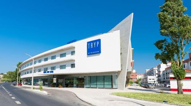 Leiria - Hotel Tryp 4* -  De Batalha a Alcobaça Conheça o Melhor de Leiria