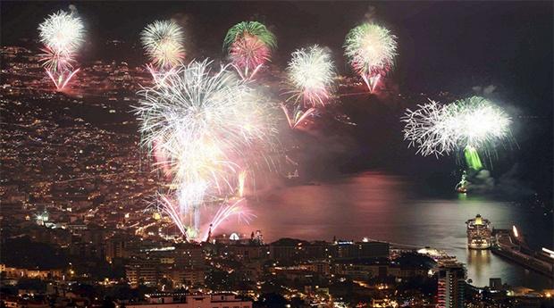 Madeira - Passagem de Ano no Centro do Funchal - Hotel Madeira 3* - Saídas Porto e Lisboa!