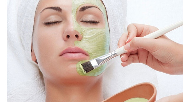 Rosto Perfeito! Limpeza de Pele + Esfoliação com Peeling Ultrasónico + Hidratação + Massagem Facial!