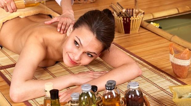 Black Week! 1 Sessão de Massagem de Aromaterapia de 30 minutos! Zona e Tratamento à Escolha!