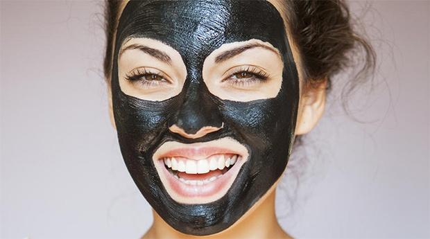 Mini Facial com Black Mask no Laranjeiro!