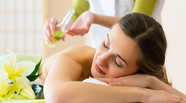Massagem Aromaterapêutica para o fim da Celulite! Tratamento Intenso que Trata de Dentro para Fora!