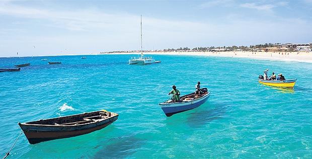 A Mais Paradisíaca Ilha de Cabo Verde -  4 ou 6 Noites em Hotel 4* com Voos Incluídos- Ilha do Sal!