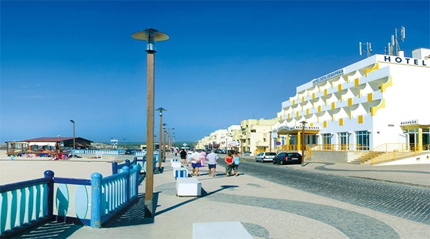 Leiria no Hotel Cristal Vieira Praia & SPA 3* - Alojamento com Tudo Incluído à Beira Mar!