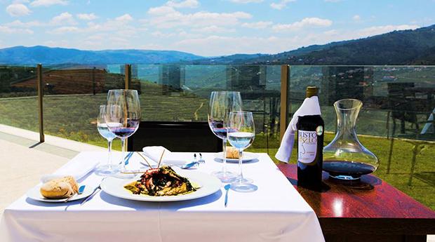 Especial de Páscoa - Hotel Douro Scala 5* -  Noite com Jantar e Spa a Dois!