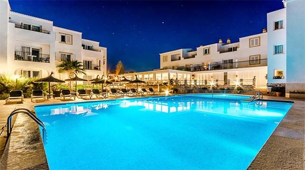 Menorca, Desfrute do Seu Verão nas Baleares  -  7 noites de Alojamento com Voo e Transferes
